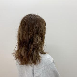 ゆるふわ デート 透明感 セミロング ヘアスタイルや髪型の写真・画像
