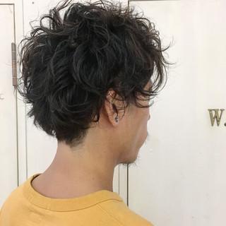 パーマ 刈り上げ ストリート ボーイッシュ ヘアスタイルや髪型の写真・画像