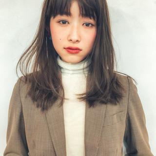 オフィス レイヤーカット 黒髪 ナチュラル ヘアスタイルや髪型の写真・画像