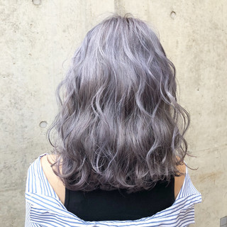 ストリート 外国人風カラー シルバーアッシュ アッシュグレー ヘアスタイルや髪型の写真・画像