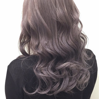 ハイライト 外国人風 グレー セミロング ヘアスタイルや髪型の写真・画像