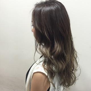 グラデーションカラー ガーリー アッシュ ゆるふわ ヘアスタイルや髪型の写真・画像