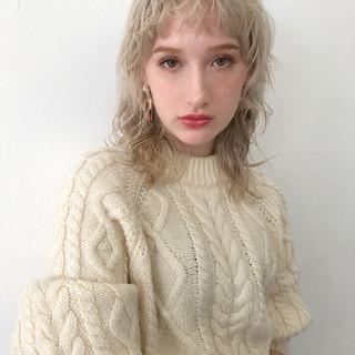 セミロング ウルフカット エレガント ウルフパーマヘア ヘアスタイルや髪型の写真・画像