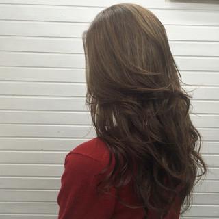 ハイライト グレージュ 透明感 ロング ヘアスタイルや髪型の写真・画像