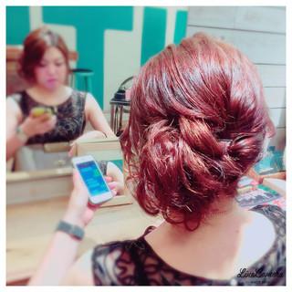 アップスタイル ヘアアレンジ ミディアム ねじり ヘアスタイルや髪型の写真・画像
