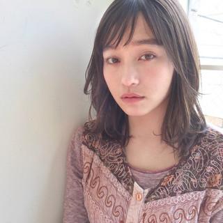 ミディアム 透明感 ロブ リラックス ヘアスタイルや髪型の写真・画像