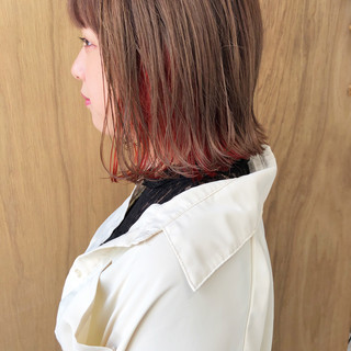 インナーカラー 切りっぱなしボブ グラデーションカラー ショートボブ ヘアスタイルや髪型の写真・画像
