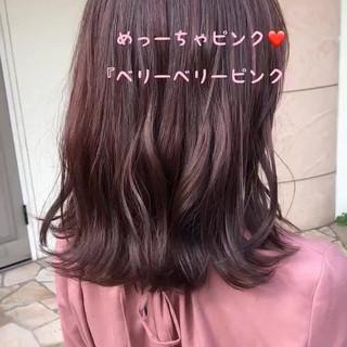 ピンク ピンクラベンダー ベリーピンク フェミニン ヘアスタイルや髪型の写真・画像
