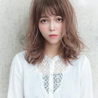 デート アンニュイほつれヘア ロング グレージュ ヘアスタイルや髪型の写真・画像