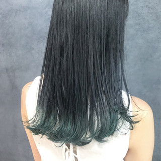 ロング ターコイズブルー ストリート ブルーブラック ヘアスタイルや髪型の写真・画像