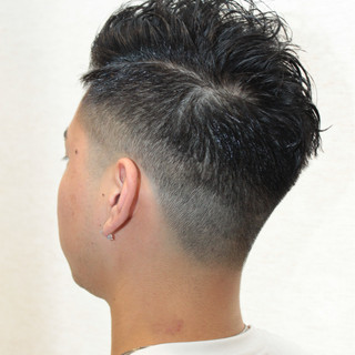 ボーイッシュ パーマ メンズ ショート ヘアスタイルや髪型の写真・画像