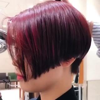 チェリーレッド モード ショートボブ 赤髪 ヘアスタイルや髪型の写真・画像