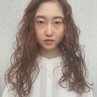 パーマ 結婚式 成人式 ヘアアレンジ ヘアスタイルや髪型の写真・画像 ヘアスタイルや髪型の写真・画像
