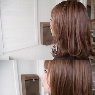 ロブ 切りっぱなし ナチュラル ミディアム ヘアスタイルや髪型の写真・画像