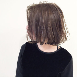 暗髪 外国人風 ハイライト アッシュ ヘアスタイルや髪型の写真・画像