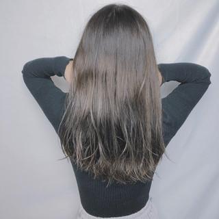 アウトドア オフィス インナーカラー ロング ヘアスタイルや髪型の写真・画像
