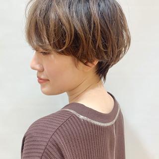 ショートヘア ナチュラル ゆるふわパーマ パーマ ヘアスタイルや髪型の写真・画像