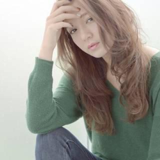 かき上げ前髪 ロング 大人かわいい ナチュラル ヘアスタイルや髪型の写真・画像 ヘアスタイルや髪型の写真・画像