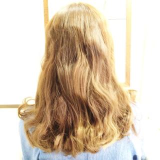 アッシュ フェミニン セミロング グラデーションカラー ヘアスタイルや髪型の写真・画像