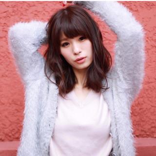 ナチュラル 色気 暗髪 セミロング ヘアスタイルや髪型の写真・画像 ヘアスタイルや髪型の写真・画像