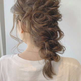 編み込みヘア 秋冬スタイル 簡単ヘアアレンジ アンニュイほつれヘア ヘアスタイルや髪型の写真・画像
