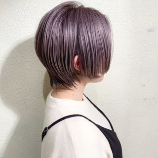 ピンクパープル ストリート ショートボブ ブリーチ ヘアスタイルや髪型の写真・画像