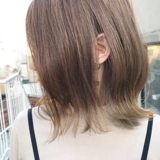 デート ロブ ヌーディベージュ ベージュ ヘアスタイルや髪型の写真・画像