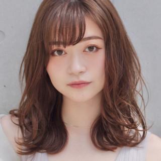 アンニュイほつれヘア 鎖骨ミディアム デジタルパーマ コンサバ ヘアスタイルや髪型の写真・画像