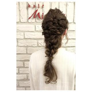 編み込み ヘアアレンジ 結婚式 ガーリー ヘアスタイルや髪型の写真・画像