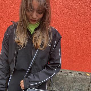 ロング 簡単ヘアアレンジ アウトドア ストリート ヘアスタイルや髪型の写真・画像