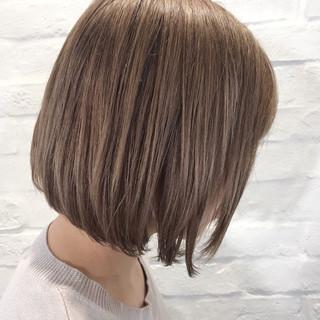 ミルクティー ブラウン ボブ ハイトーン ヘアスタイルや髪型の写真・画像