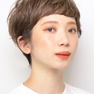 グレージュ アンニュイほつれヘア ナチュラル マッシュショート ヘアスタイルや髪型の写真・画像