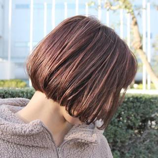 チェリーピンク ミニボブ ショートボブ 切りっぱなしボブ ヘアスタイルや髪型の写真・画像