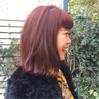 ミディアム 前髪あり 外ハネ ピンク ヘアスタイルや髪型の写真・画像