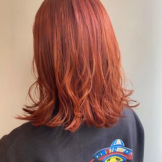 オレンジブラウン オレンジカラー ミディアム インナーカラーオレンジ ヘアスタイルや髪型の写真・画像