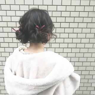 セミロング ツインお団子 デート ヘアアレンジ ヘアスタイルや髪型の写真・画像