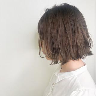 切りっぱなしボブ ナチュラル ナチュラルベージュ ミニボブ ヘアスタイルや髪型の写真・画像