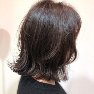 オフィス ナチュラル ミディアム ピンクブラウン ヘアスタイルや髪型の写真・画像