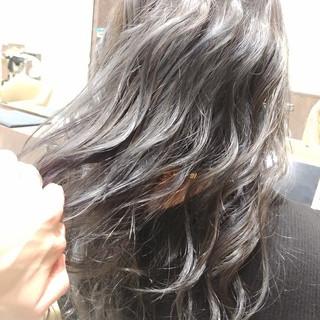 フェミニン デザインカラー かわいい セミロング ヘアスタイルや髪型の写真・画像