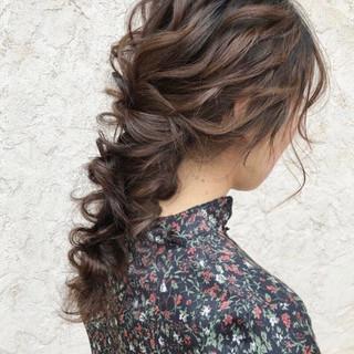 セミロング 結婚式ヘアアレンジ 結婚式髪型 ゆるナチュラル ヘアスタイルや髪型の写真・画像
