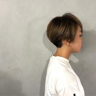 ショート 小顔 ナチュラル 刈り上げ ヘアスタイルや髪型の写真・画像