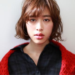 ストリート 外国人風 パーマ フェミニン ヘアスタイルや髪型の写真・画像
