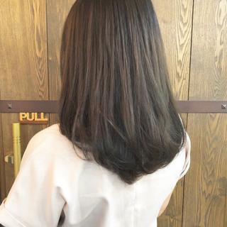 夏 アッシュベージュ ナチュラル セミロング ヘアスタイルや髪型の写真・画像
