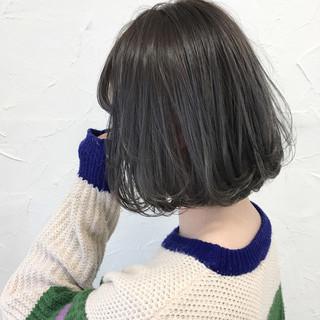 ガーリー 外国人風 グレージュ アッシュ ヘアスタイルや髪型の写真・画像