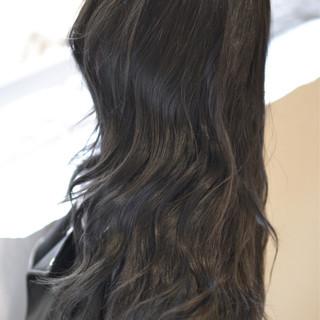 外国人風 アッシュ ロング ナチュラル ヘアスタイルや髪型の写真・画像