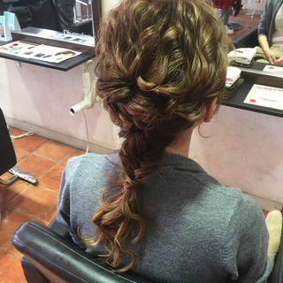 編み込み 波ウェーブ ロング 結婚式 ヘアスタイルや髪型の写真・画像