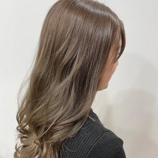 オルチャン ロング ハイトーンカラー ナチュラル ヘアスタイルや髪型の写真・画像