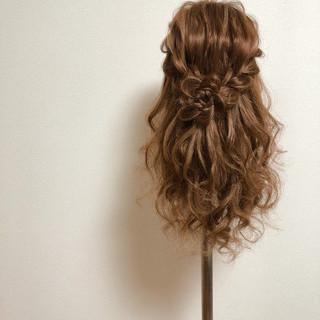 編み込みヘア セミロング ガーリー ヘアアレンジ ヘアスタイルや髪型の写真・画像