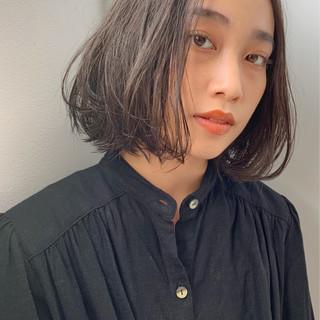 大人可愛い ウェットヘア ミディアム セミウェット ヘアスタイルや髪型の写真・画像