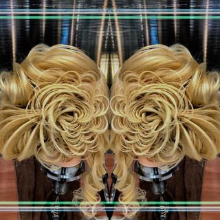 成人式 結婚式 上品 パーティ ヘアスタイルや髪型の写真・画像